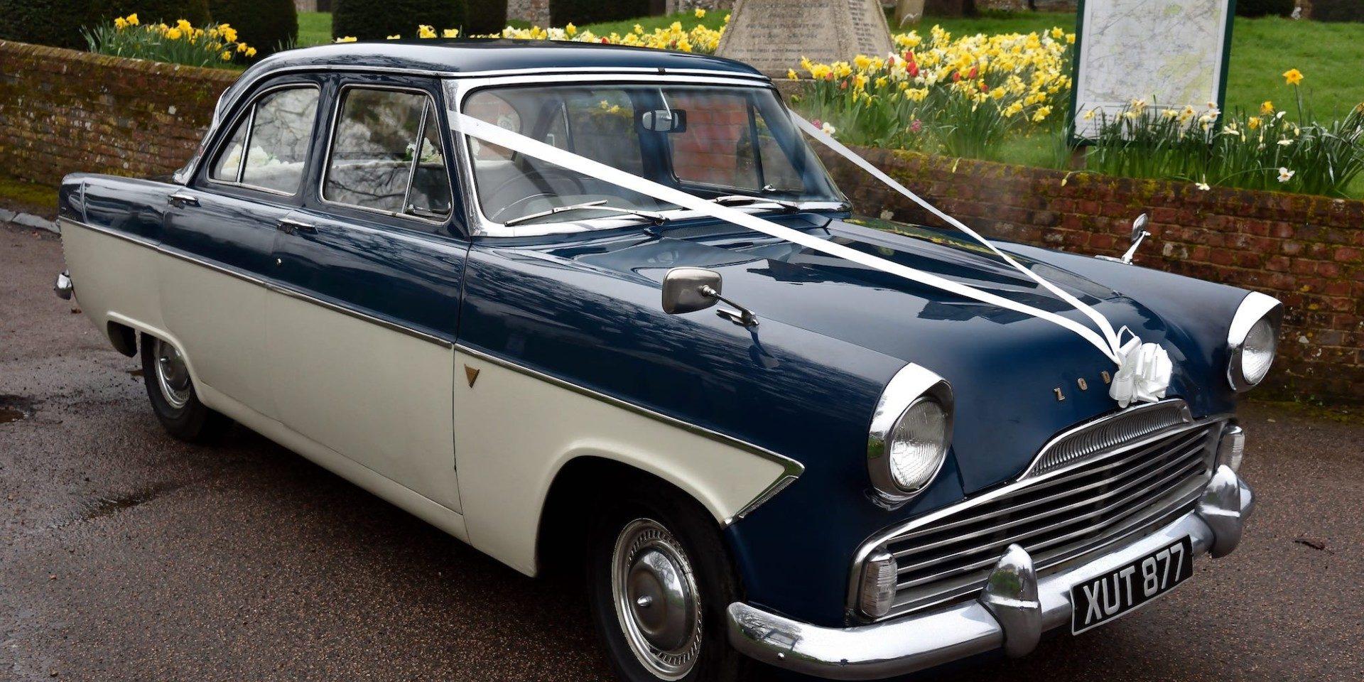 Ford Zodiac | Kent Classic Wedding Cars