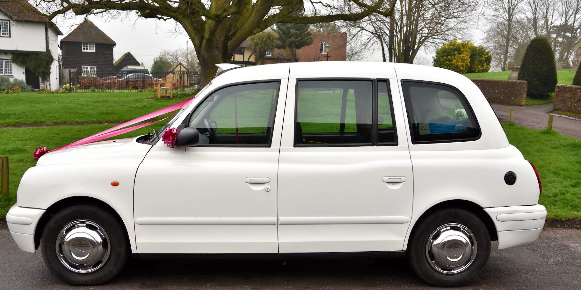 Wedding Taxi | Kent Classic Wedding Cars