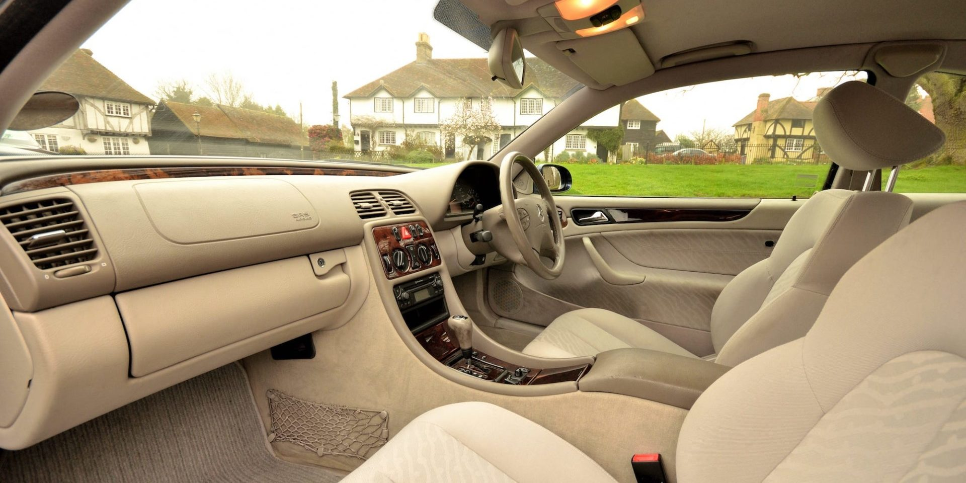 Mercedes | Kent Classic Wedding Cars